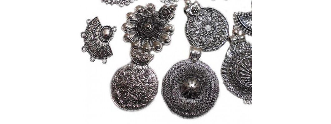 Oxidized Jewellery: The Trend Setting Path